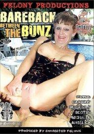 Bareback Between the Bunz Porn Video